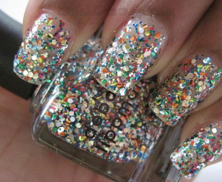 Ossessione del giorno: lo smalto glitter multicolor