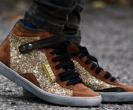 Comfy look – Parka e sneakers glitterate