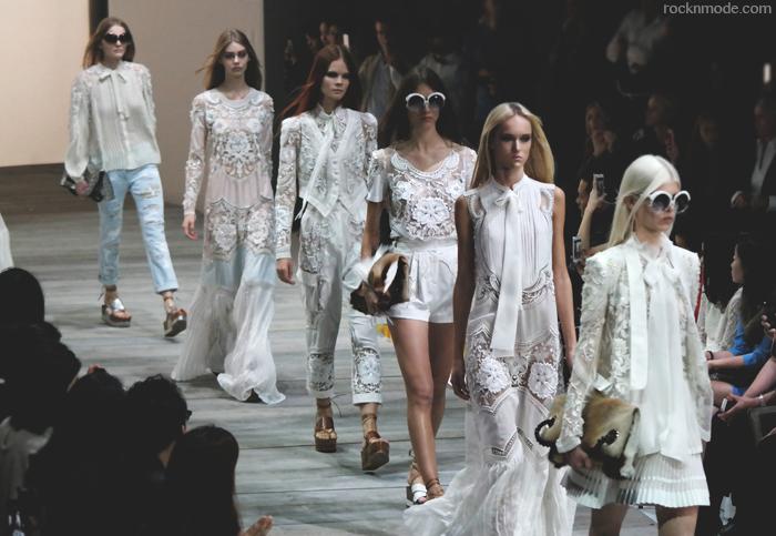 Roberto cavalli ss 2015, Joan Smalls, MFW, Milan Fashion week, Laura Manfredi, settimana della moda milanese, moda italiana, Roberto Cavalli primavera estate 2015
