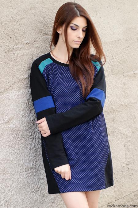 Outfit – Abito felpa e sandali gladiator