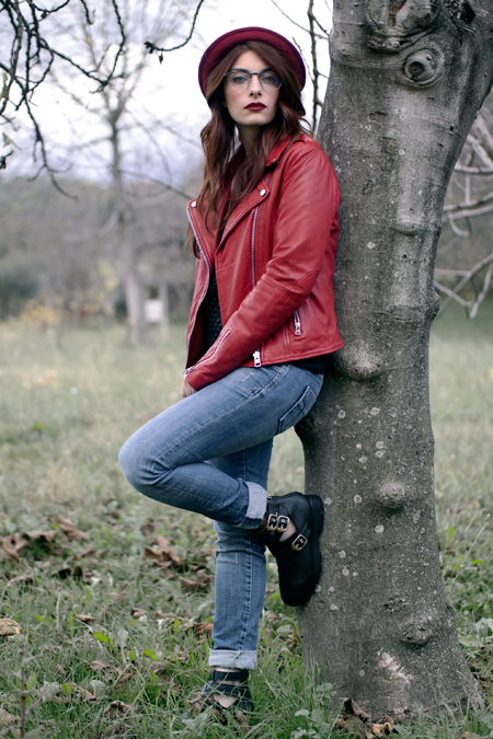 Mango, Mango red leather jacket, Giacca di pelle rossa Mango, skinny Jeans Miss sixty, veronica ferraro per deichmann, outfit blogger, rouge noir, pur red L'Oreal Paris, Felpa Hanita, fashion blogger Laura manfredi, Outit of the day, outfit autunnale,