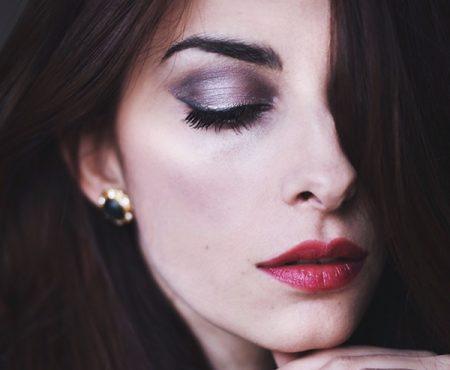Make-up ispirato alle luci di Times Square