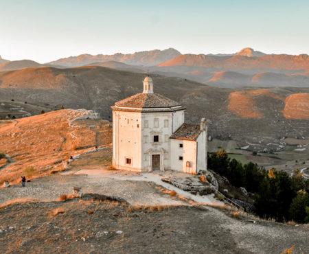 Dal piccolo Tibet a Rocca Calascio: itinerario di un giorno tra i posti più suggestivi d'Abruzzo