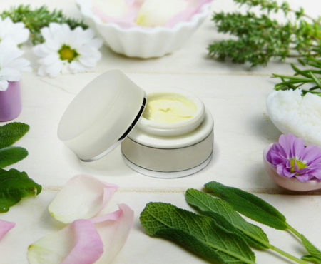 Come aprire un negozio di cosmetica, make-up ed erboristeria